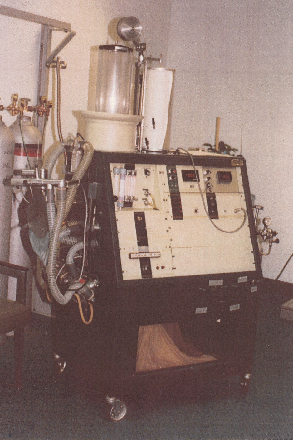 Collins_Modular_Lung_Analyzer_02_Front